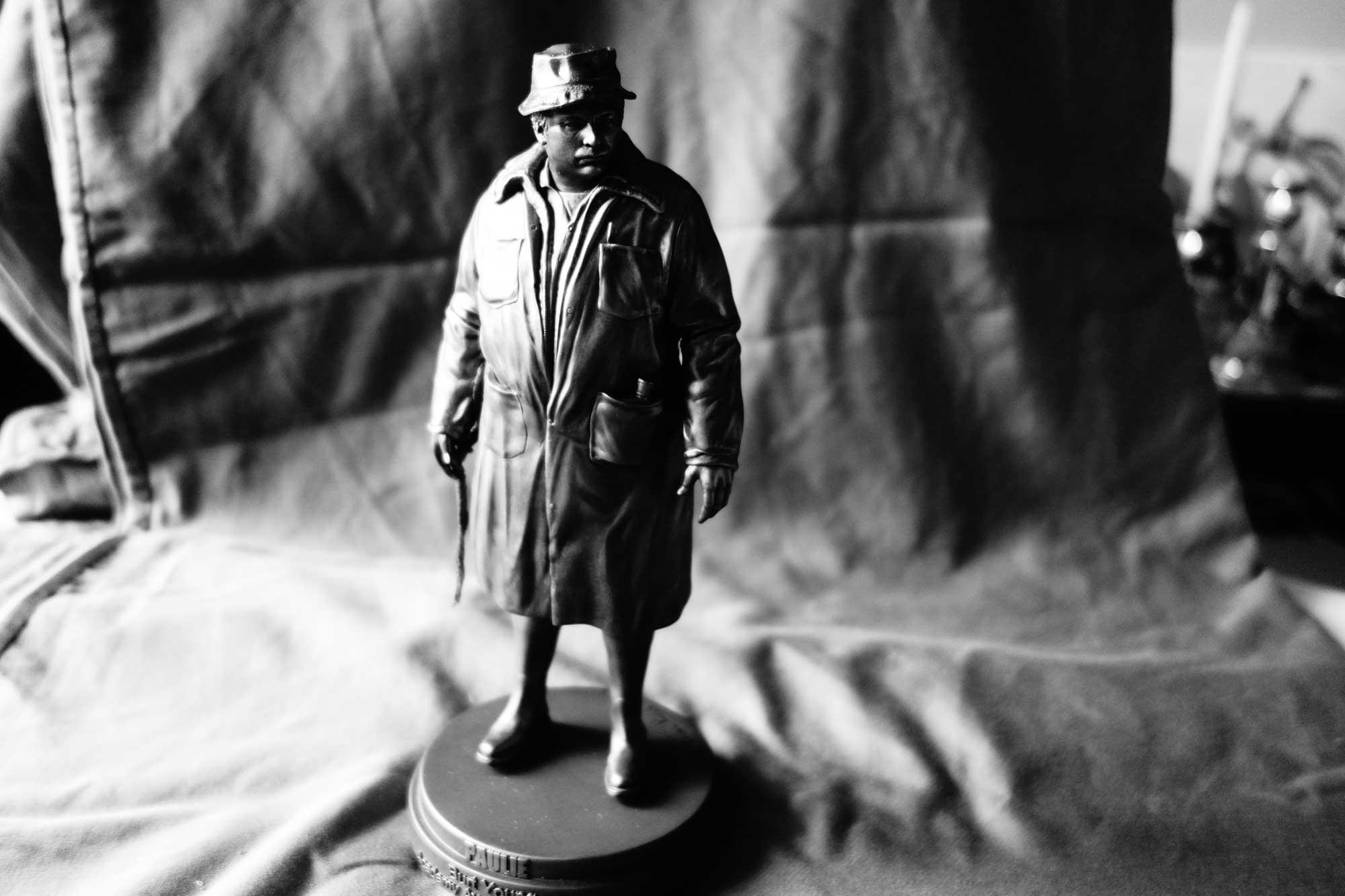 statuette Paulie PAU
